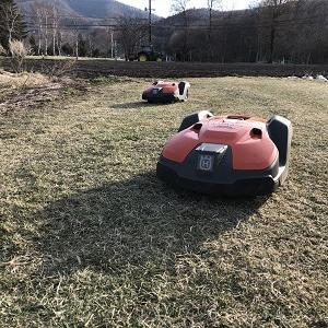 ロボット芝刈機オートモア550を2台設置(オートモアクラブ対応)