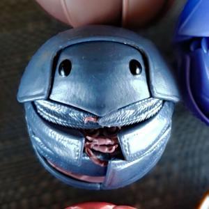 (※虫嫌い閲覧注意) まんまるこがね可愛い。 バンダイ だんごむし 第4弾