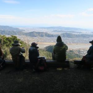 今日は里山ハイキング