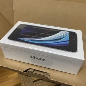 Apple新型「iPhene SE 2020」シムフリー版(128GB)が発売日に届きました^^早速開封&設定中です♪