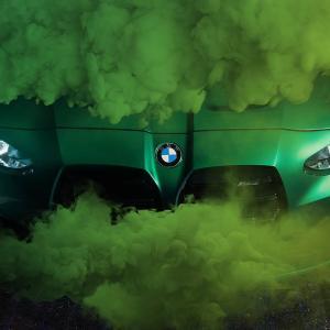 新型BMW M3(G30)M4(G82)ワールドプレミアは9/23(水)で確定!公式ティザー写真でM3のキドニーグリル形状も判明しました^^