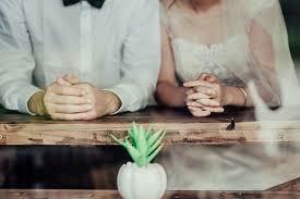 貧乏くさい・・・結婚式だ