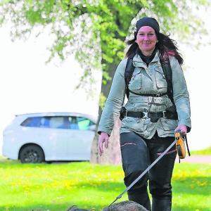 子牛の一生…84日間、徒歩で動物保護を訴えるドイツ人女性