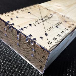 超便利・木材に簡単に目印や線を引く事ができる 2×4定規の使い方(動画)