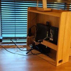 Wi-Fi を遮らない ルーター収納付きの棚を作る方法(動画)