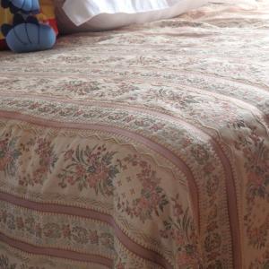 和室を趣味部屋へ ベッドカバーを作る