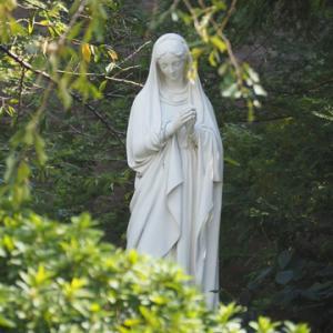 秋...山手カトリック教会のマリア様