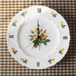 黄色いバラの時計