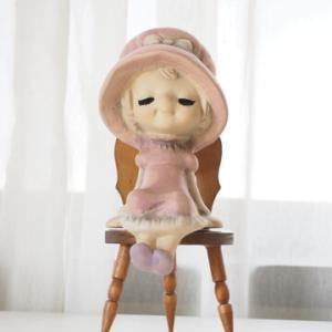 昭和レトロな陶器の女の子