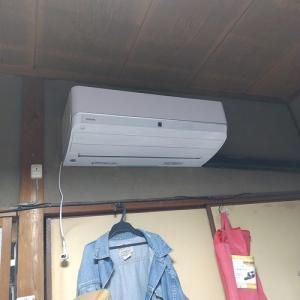 新しいエアコンが・・・