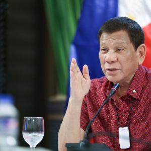 フィリピン まだまだ続く麻薬との戦争。。。ドゥテルテ大統領は麻薬ディーラーを殺すとも発言。。。