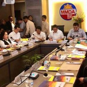 フィリピン メトロマニラは10月末までGCQ延長希望??