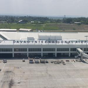 フィリピン 国内線で40名感染??マニラ発ダバオ着の搭乗客がコロナ陽性。。。