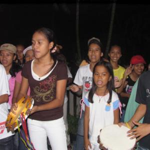 フィリピン 今年のクリスマスは聖歌隊もダメ!?