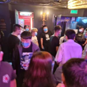 フィリピン マカティのバーで17名の中国人が防疫違反で逮捕!!