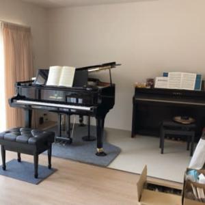 ピアノも到着