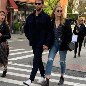 【長身の美男美女カップル…!?】リアム・ヘムズワースが女優マディソン・ブラウンと手つなぎデート!Liam Hemsworth holds hands with Maddison Brown