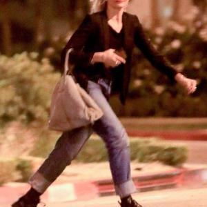 【すごい速さで歩いてる…!?】キャメロン・ディアスがヘアサロンにお出かけ!Cameron Diaz leaves hair salon in West Hollywood