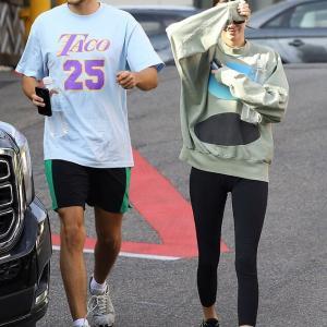 【最近いつも一緒…!?】ケンダル・ジェンナーが噂のイケメンとお出かけ!Kendall Jenner goes juicing with Fai Khadra