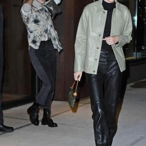 【だいぶ個性的…!?】ケンダル・ジェンナーとジジ・ハディッドがディナーにお出かけ!Kendall Jenner enjoys a girl's night with Gigi Hadid