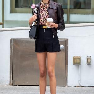 【脚の長さがハンパない…!?】カイア・ガーバーがルイ・ヴィトンの広告撮影!Kaia Gerber for Louis Vuitton photo shoot