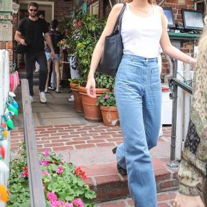 【リアムがイケメン…!?】リアム・ヘムズワースが恋人のガブリエラ・ブルックスとランチデート!Liam Hemsworth joins Gabriella Brooks for lunch
