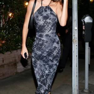 【やっぱりお似合い…!?】ケンダル・ジェンナーがイケメン友人とディナーにお出かけ!Kendall Jenner dines with Fai Khadra in LA