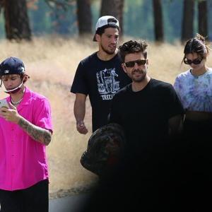 【ジャスティンとヘイリーも一緒…!?】ケンダル・ジェンナーが新恋人とアイダホ州にお出かけ!Kendall Jenner and Devin Booker retreat in Idaho