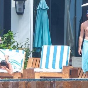 【すんごいTバック…!?】カイア・ガーバーが恋人のジェイコブ・エロルディとメキシコでバケーション!Kaia Gerber and Jacob Elordi vacation with her parents in Mexico