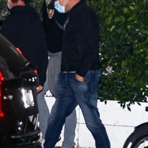 【美胸を披露…!?】レオナルド・ディカプリオが恋人のカミラ・モローネとディナーデート!Leonardo DiCaprio and Camila Morrone head to an Italian restaurant