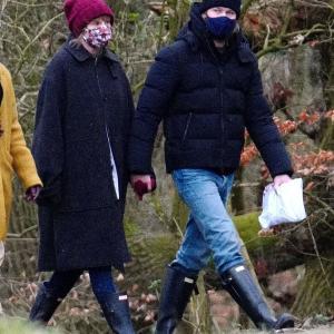 【彼ママとも仲良し…!?】テイラー・スウィフトが恋人のジョー・アルウィンとロンドンでお出かけ!Taylor Swift and Joe Alwyn enjoy a stroll in London