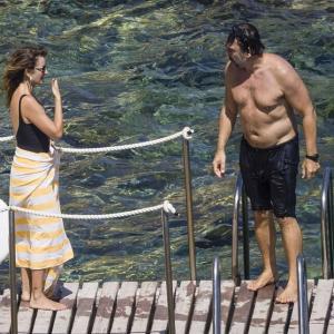 【キスが止まらない…!?】ペネロペ・クルスが夫のハビエル・バルデムとイタリアでバケーション!Penelope Cruz kisses husband Javier Bardem