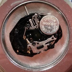 ダイソー腕時計の電池交換