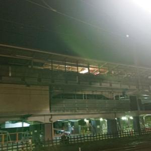 高尾駅周辺の様子と中央線2