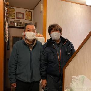 お客様とツーショット〜相模原・町田の外壁屋根・水廻りリフォーム