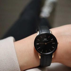 40代ファッション*北欧ダニエルウェリントン初!新作防水腕時計の魅力♩