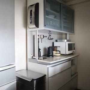 【続】キッチンのシンプル化*セリアのリメイクシートを剥がした結果・・