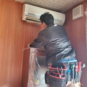 取り付けてからクリーニングも3回したエアコン、今回、交換工事です