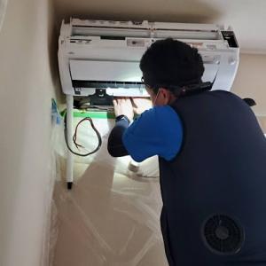 隠ぺい配管のエアコンの交換工事が多い7月でした。