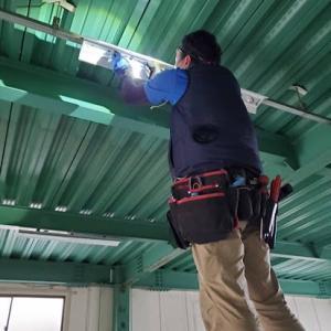 倉庫の照明器具交換工事