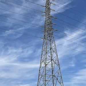 晴れた日の鉄塔