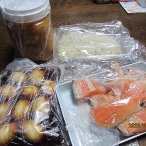 東京の常連のお客様のお母さまから届いた数々の品