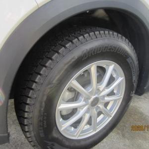 降雪を前に冬用タイヤへの交換が終了