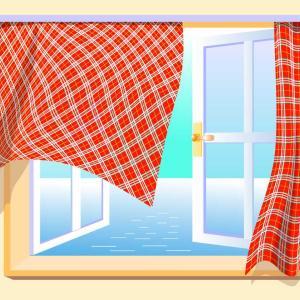 残念ながら、コトはそう単純ではありません。日本語では部屋の窓が開かれている状態を「窓が開(あ)いてある」とは言わず、通常「窓が開(あ)いている」と言うのです。本来「窓が開(あ)いている」とは窓がゆっくりと開きつつある進行中の状態を指すのに、それを証拠形としても使ってしまうのです。