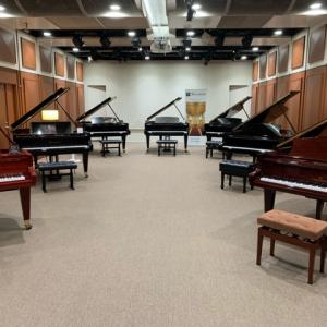 総額1億円相当のピアノを弾いてきました!!