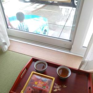 スイカと麦茶とビニールプール。【高気密・高断熱・パッシブ設計】