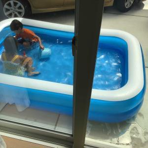 やっぱり夏はプールだね。