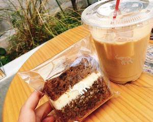 SHOZO COFFEE のキャロットケーキ&キャラメルミルク☆