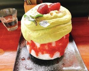 苺とピスタチオエスプーマのかき氷!☆
