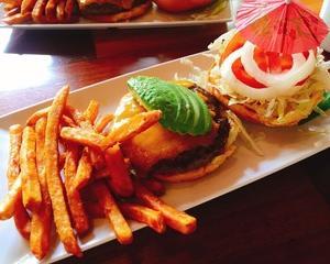 ハワイ旅行〜♪ 3日目ランチはハンバーガー!
